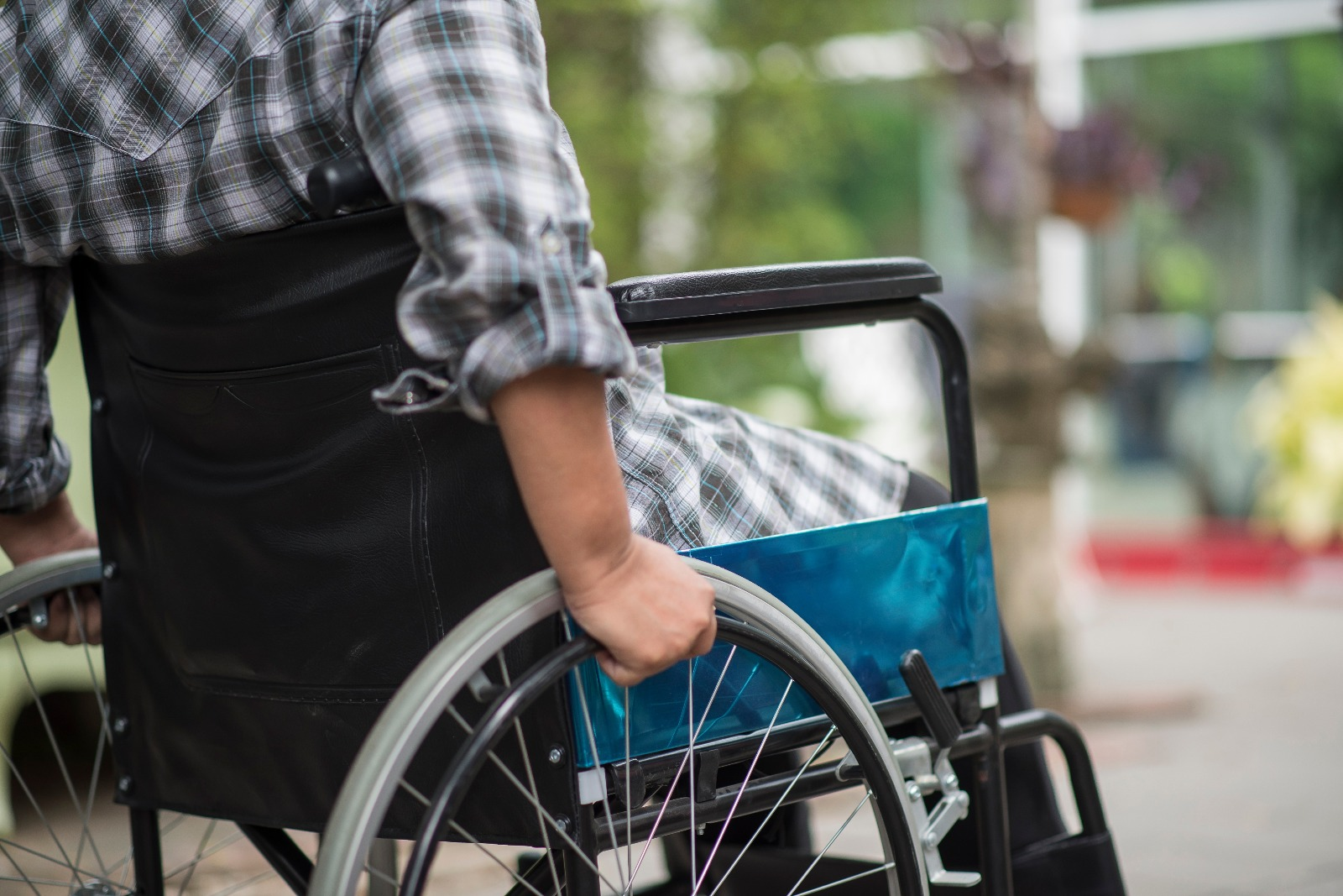 WHAT PROBLEMS DO WHEELCHAIR USERS FACE?